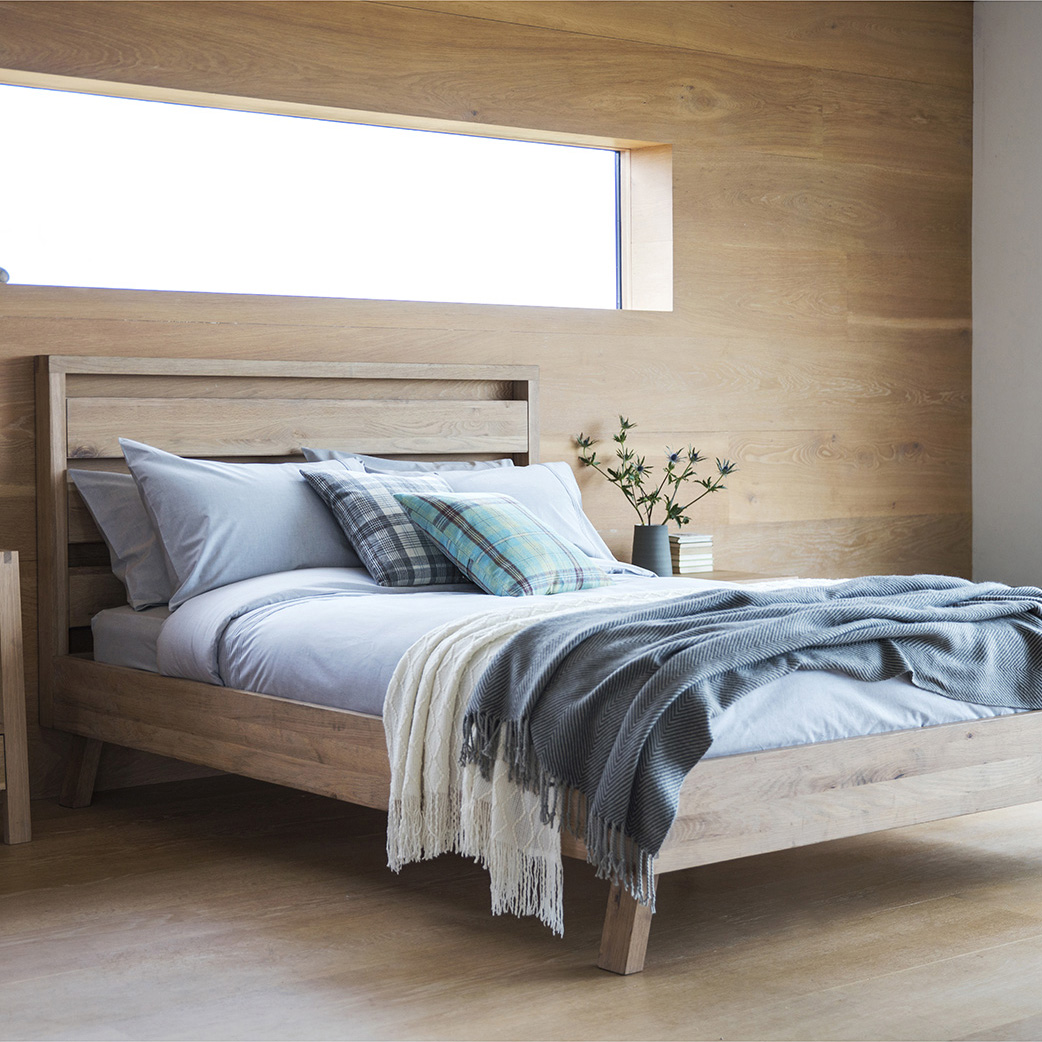 Narrative Solid Oak Bed – Double and King at FADS.co.uk