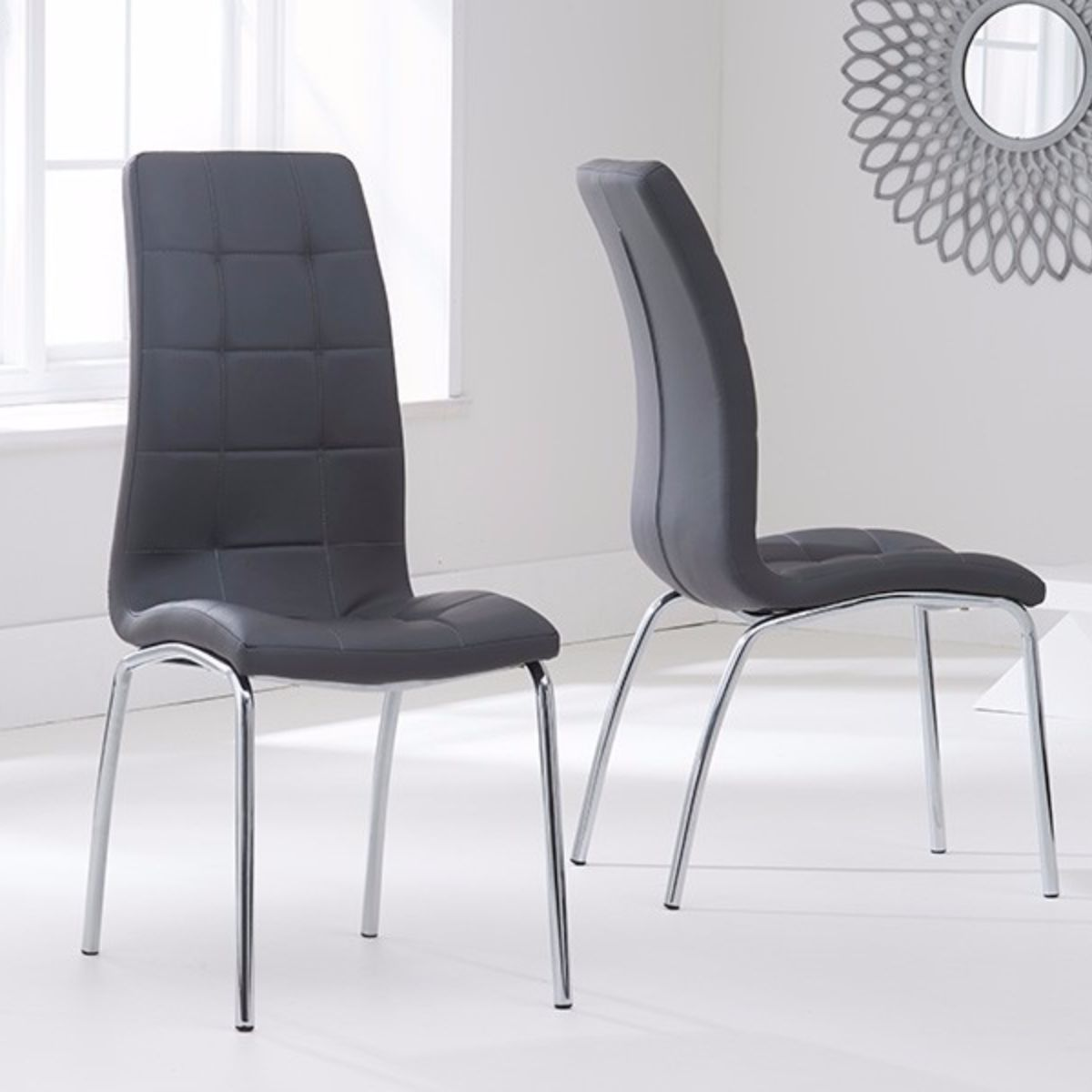 Munich Glass Dining Table with 4 Chairs (Chair Colour: Grey)