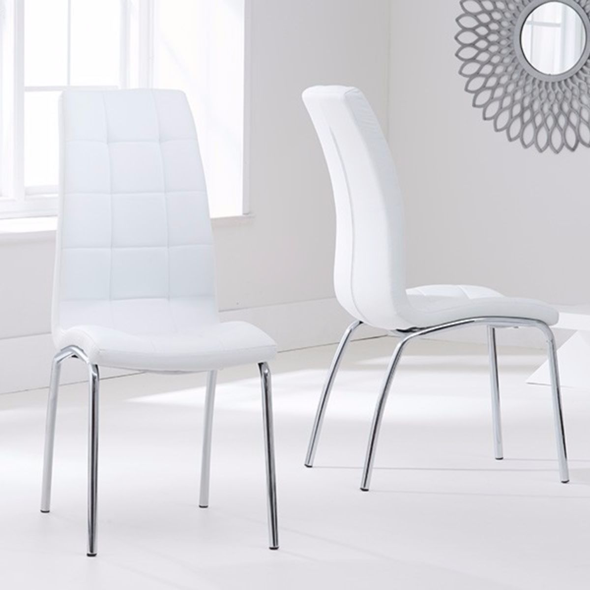 Munich Glass Dining Table with 4 Chairs (Chair Colour: Ivory)