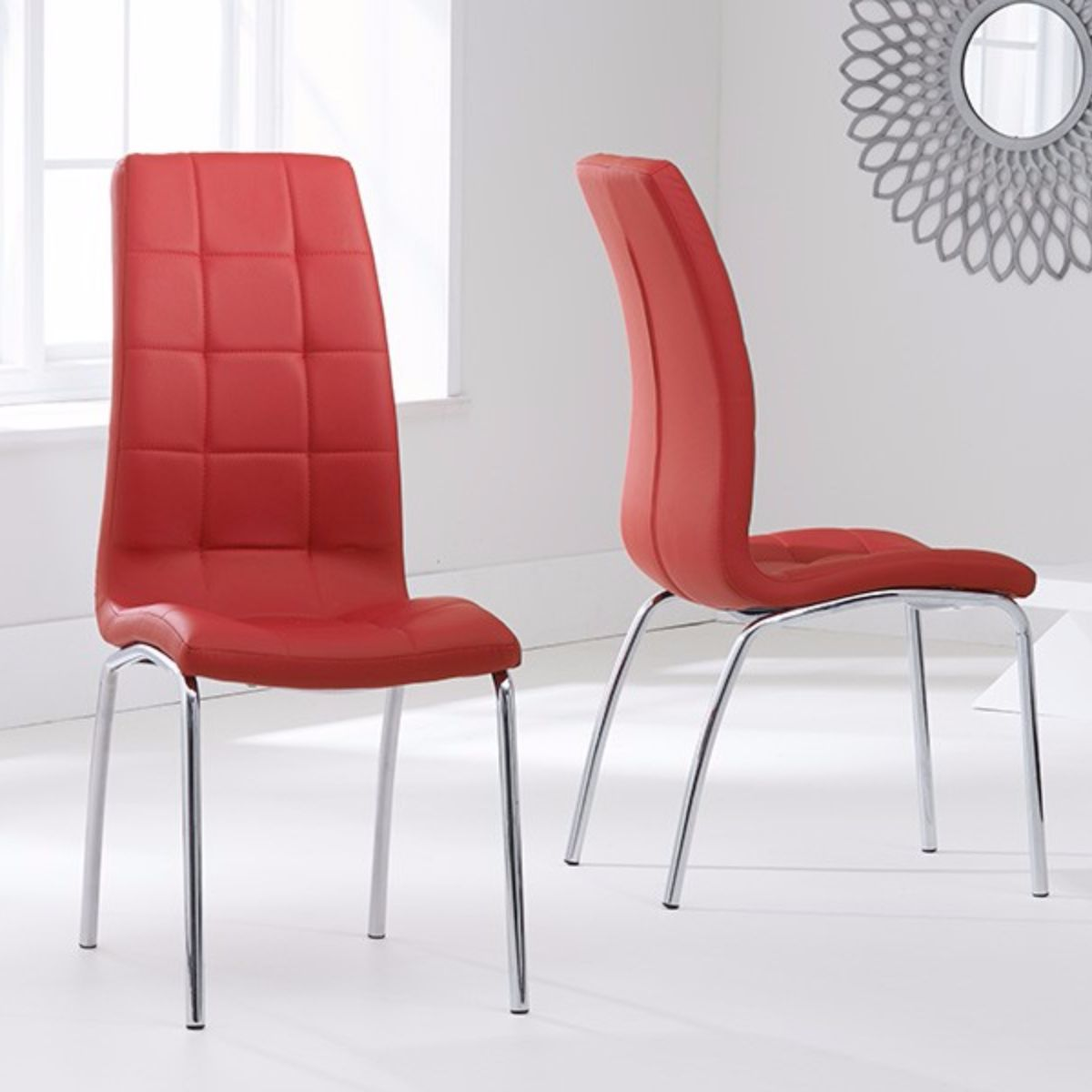 Munich Glass Dining Table with 4 Chairs (Chair Colour: Red)