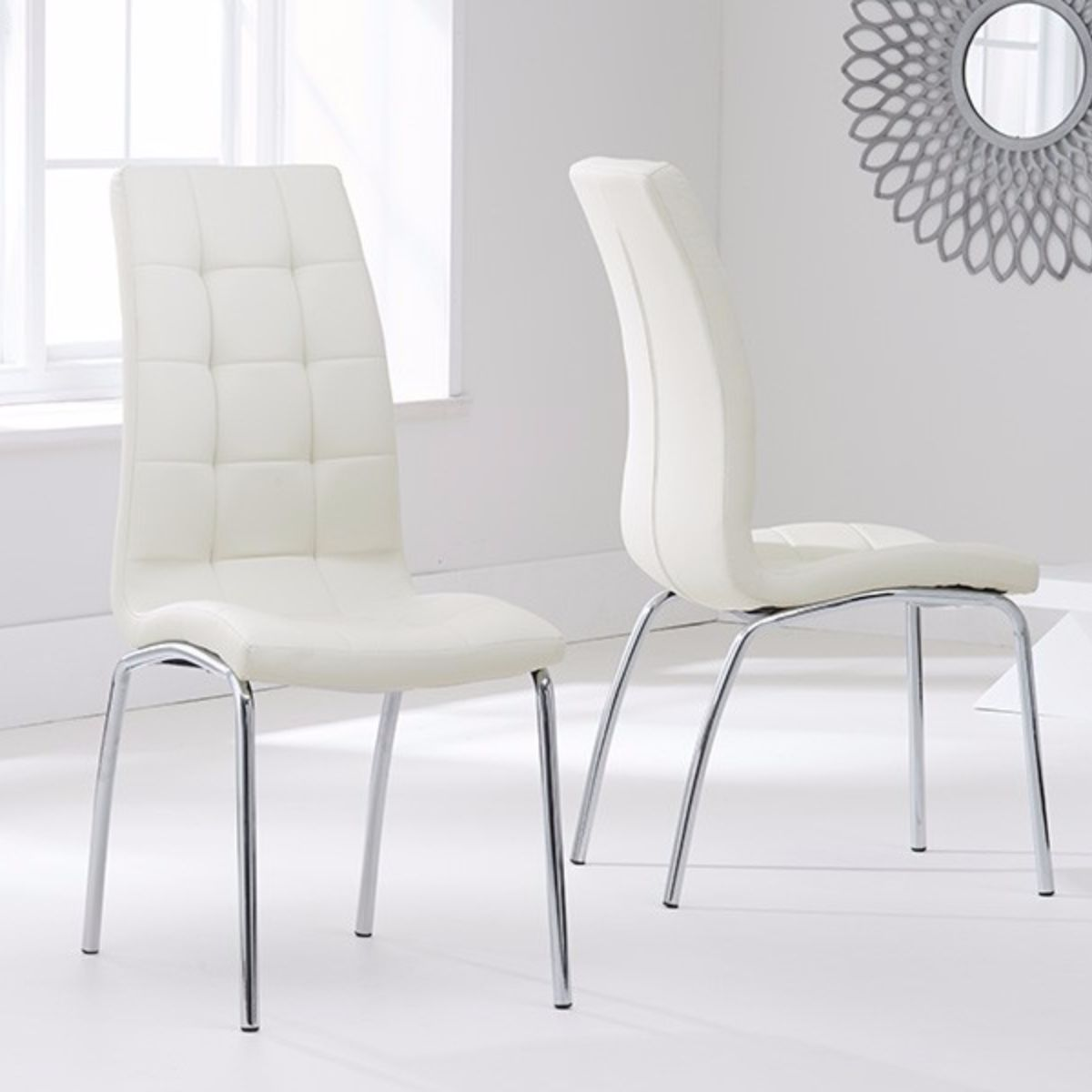 Munich Glass Dining Table with 4 Chairs (Chair Colour: Cream)