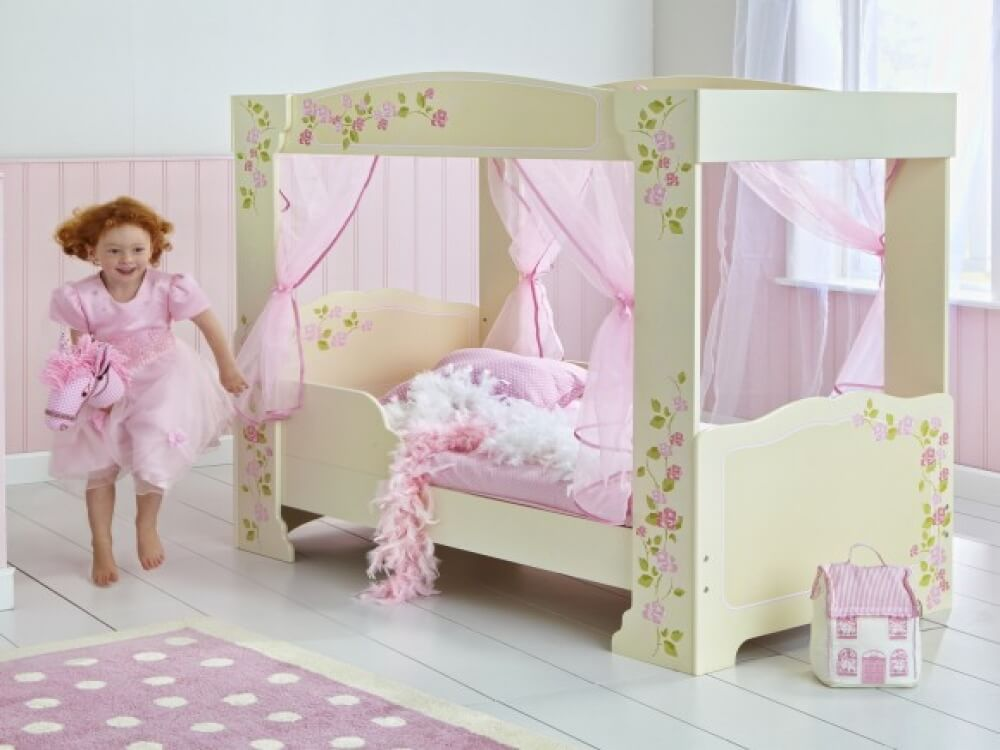 Toddler Bed For Girl Princess: Princess 4 Poster Toddler Bed