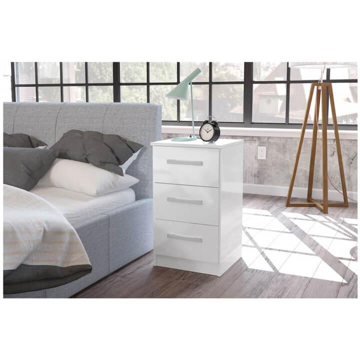 Lynx-White-Bedside