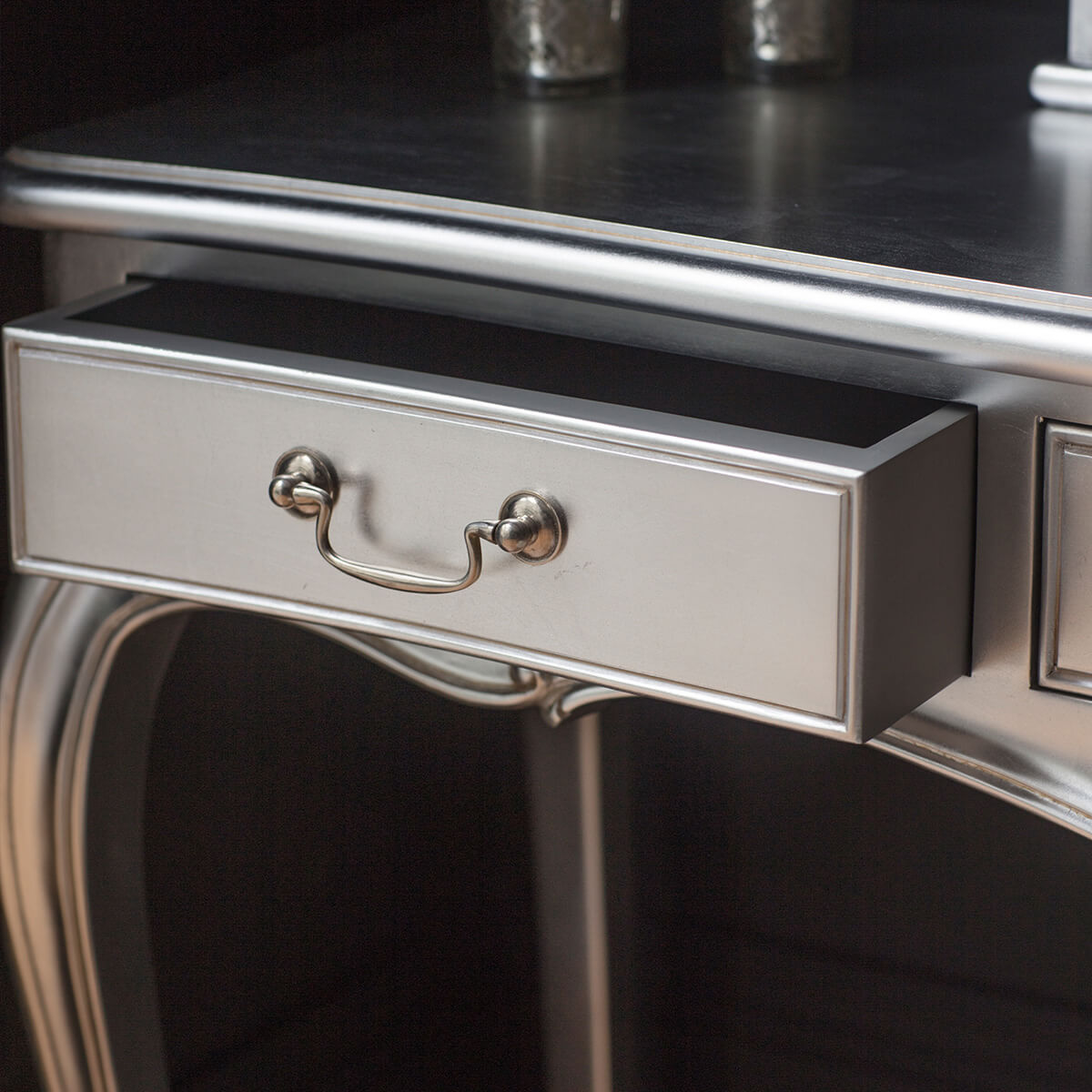 Madeleine dressing table silver 2