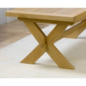Lyon solid oak extendable dining table detail