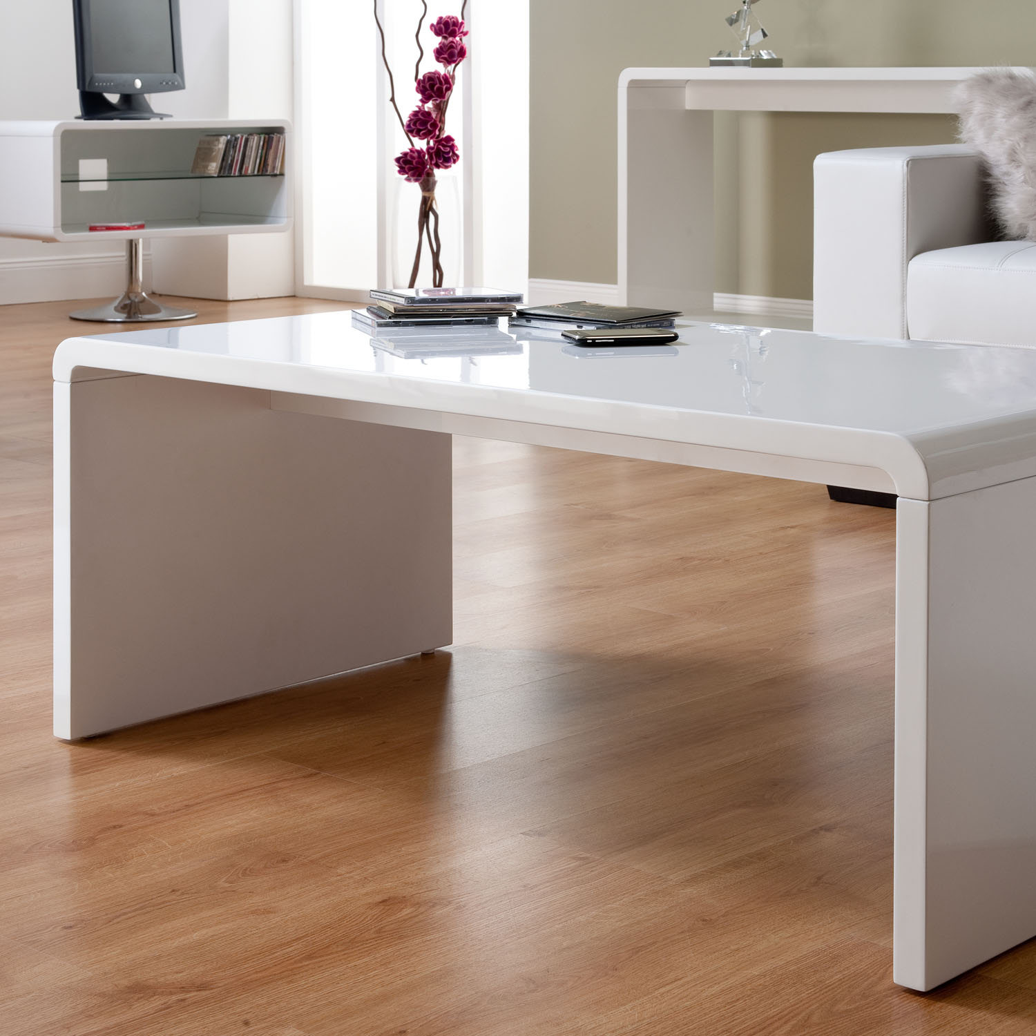 Modern Oval White High Gloss Glossy Lacquer Coffee Table: Toscana Gloss Coffee Table