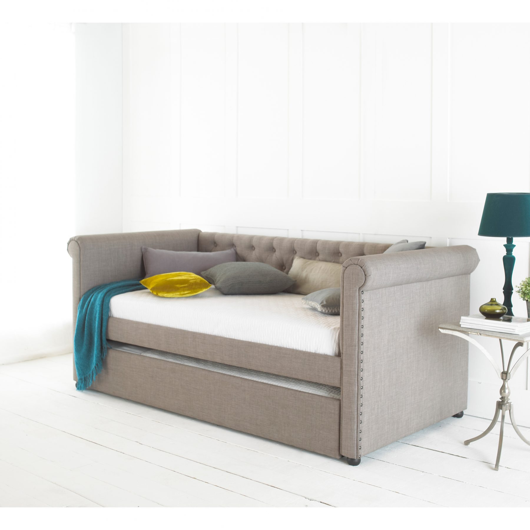 Emily Day Bed Deep Buttoned Back Trundle Beds Fads