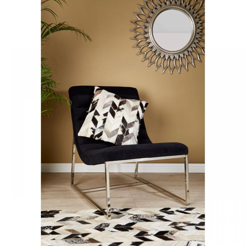 Vogue Black Velvet Curved Cocktail Chair 2